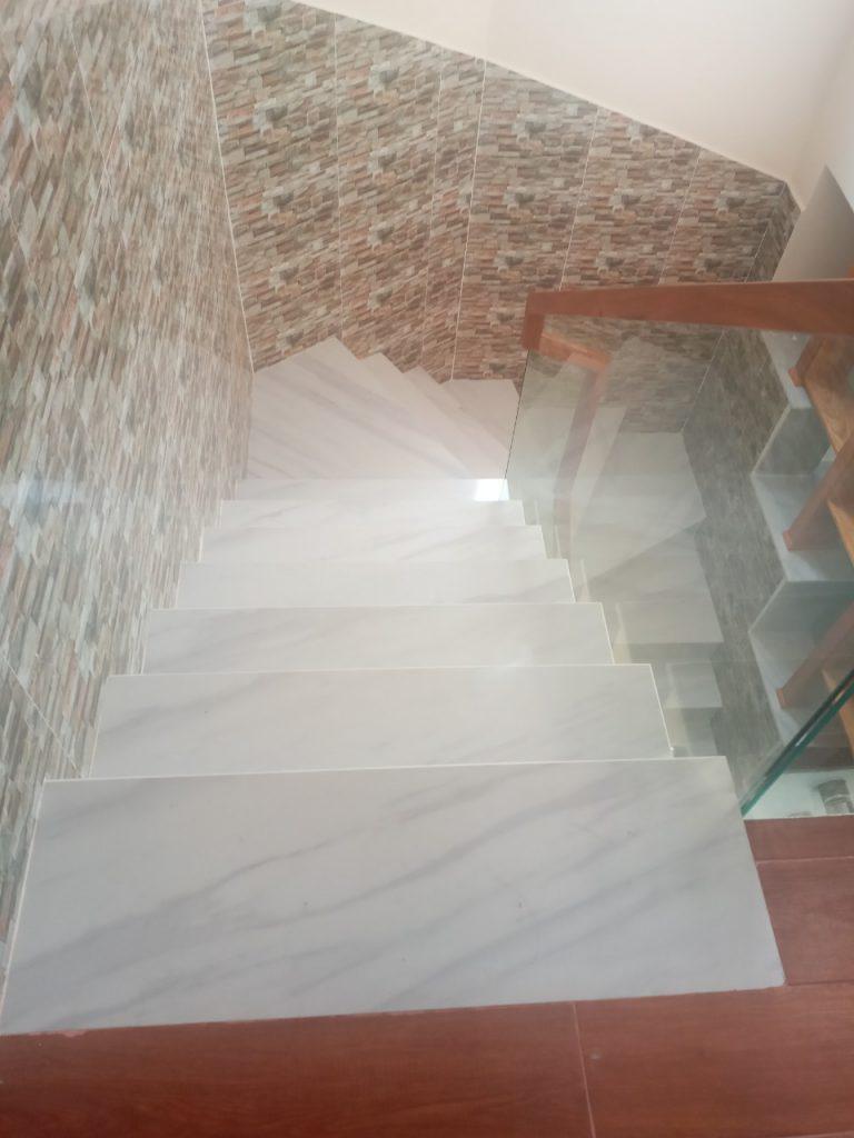 Lát đá hoa cương trắng sữa
